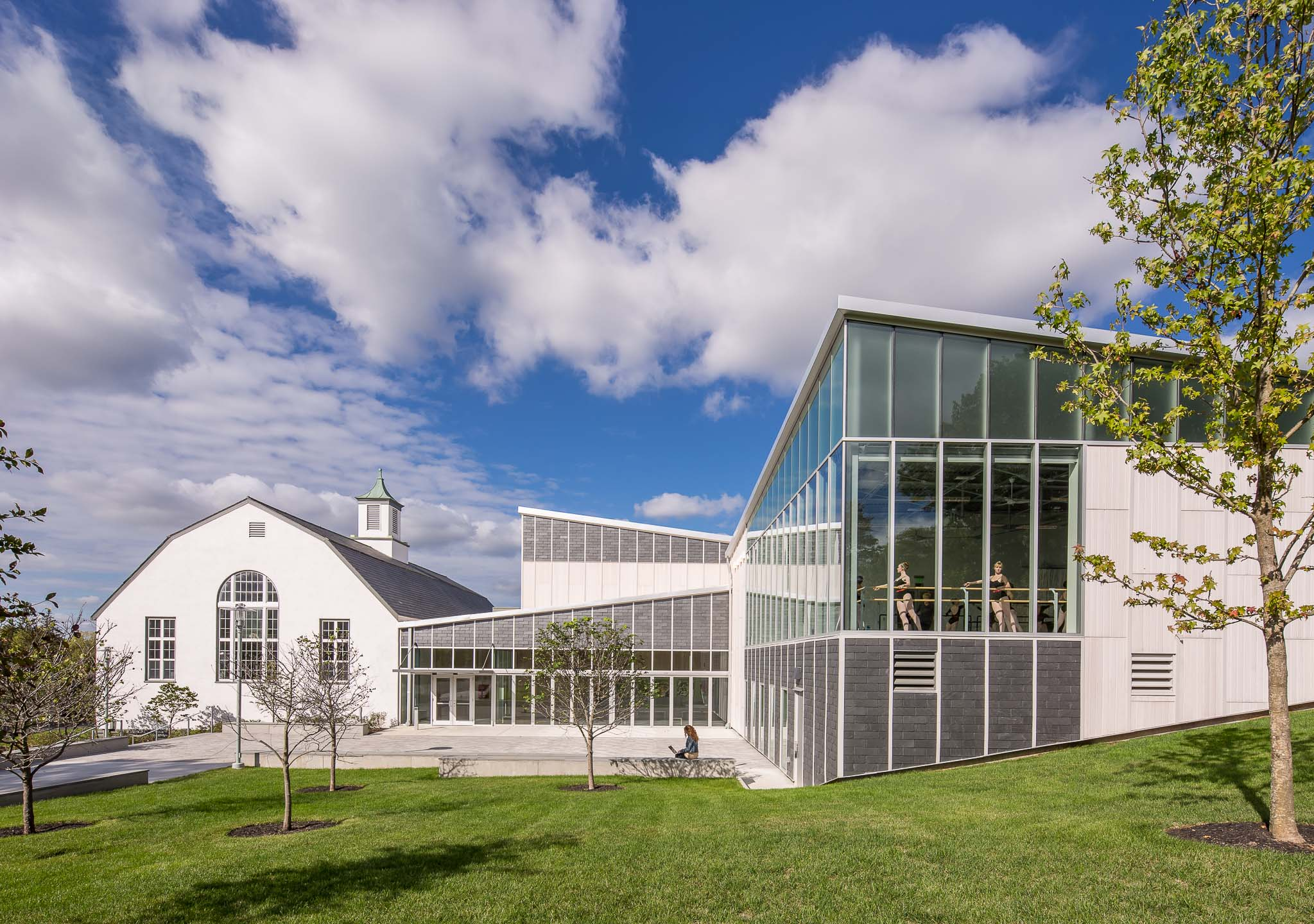 Delbridge Family Center for the Arts, Walnut Hill School for the Arts. Architect: designLAB Architects. Photo: © Jonathan Hillyer.
